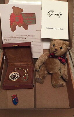 GUND 1999 COLLECTORS CLUB BOX with MOHAIR BEAR POCKET WATCH & PIN Style #9603