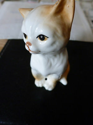 A Small Ceramic / Pottery Cat Figurine, Seated.