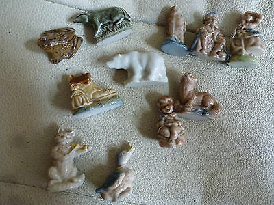 11 Small Decorative Ceramic / Pottery Objects - Figures -Animals