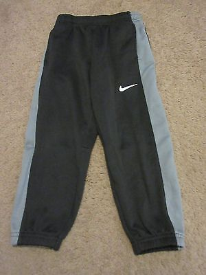 NIKE Therma-Fit Athletic Sweat Pants Black With Gray Stripes Youth Size 6