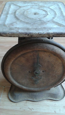 vintage FAMILY KITCHEN SCALE Antique Country Store Counter