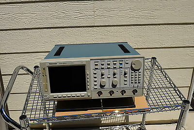 Tektronix TDS684A 1GHz 5GS/s Color 4-Channel Tek Digitizing Oscilloscope ~ PARTS