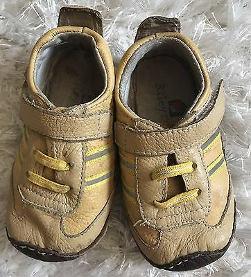 RILEY ROOS Boutique Soft Walking Shoes Infant Boys Sz 12-18 Mos
