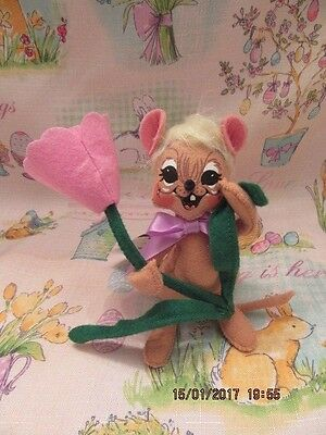 """Annalee Dolls 2014 6"""" Tulip Mouse Holding Flower Mint With Tags"""