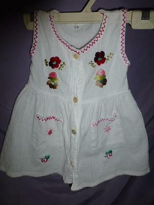 Vtg Embroidered Mexican hippie cotton gauze Baby girl Dress so cute