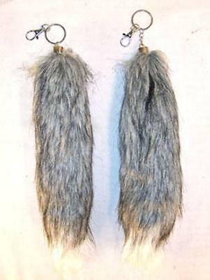 auction for FOX TAIL KEY CHAIN GREY / WHITE END foxes animals fur tails new foxs