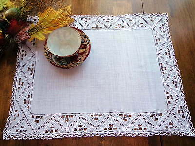 TABLE CENTERPIECE Antique Italian White Linen Handmade Needle Lace & Embroidery