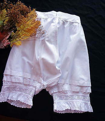 Edwardian Girl's White Cotton Bloomers With Lace - For The Collector ca. 1910