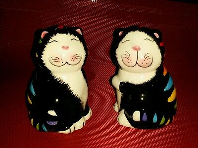 NIB Set of 2 Black Smiling Cats Salt and Pepper Shakers Squinty Eyes CUTE!