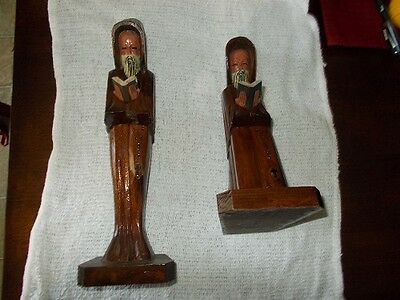 """2 Handcarved Wood Monks Reading In Excellent Condition. 9"""" And 10"""" Tall"""