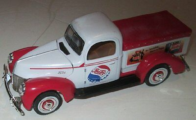 """GOLDEN diecast toy car Ford PEPSI Cola TRUCK 7"""""""