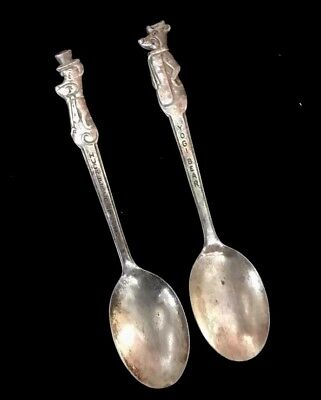 Vintage Huckleberry Hound & Yogi Bear Childrens Spoons Set Silverplated As Is