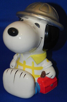 Vintage Snoopy Wearing Hard Hat Ceramic Coin Bank Peanuts Construction Worker