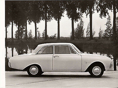 Ford Taunus 17M Saloon, Period Photograph.