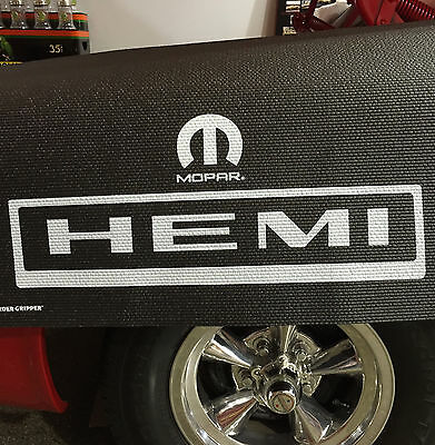 Mopar HEMI Logo Fender Gripper Black Cushion Protective Fender Cover: FG2225