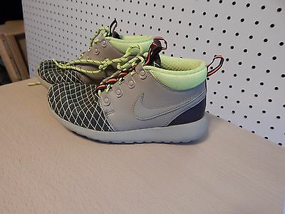Nike Roshe One Mid Winter GS Big Kids Style   807575 size 3.5Y - 807575 b58a53ff0