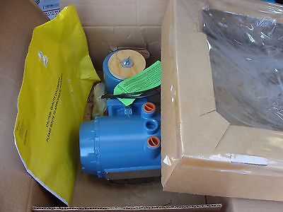 NEW Emerson Rosemount 8732EMT1A1N5M4 Flow Meter System 8732E New in Box !!!