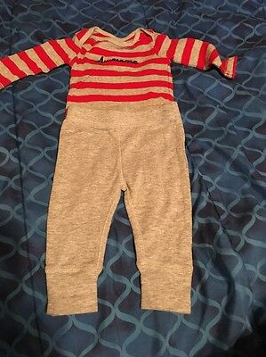 Carter's & Gerber Baby Boy 2 Piece Outfit 0-3 Months Preowned