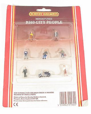 Hornby R560 Miniature City People