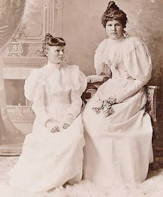 1880-1889 Two Lovely Women in White, Hambone Sleeves Milwaukee, WI Cabinet Photo