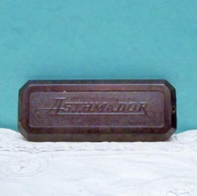 Vintage Dr. R. Schiffmann's Asthmador Cigarette Case With 3 Cigarettes