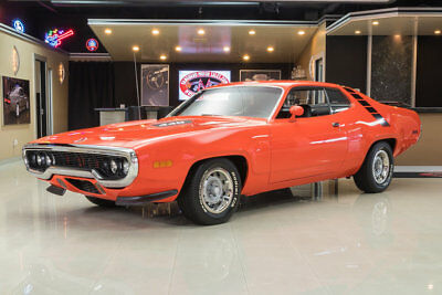 1971 Plymouth Road Runner  Road Runner! 440ci V8, A727 Automatic, PS, Fresh Restoration, Original Color!