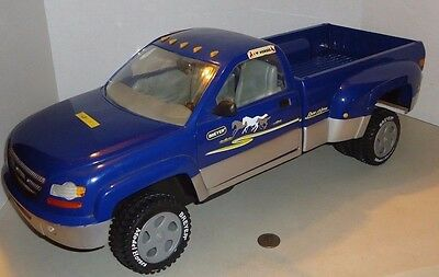 "BREYER  TRADITIONAL MODEL HORSES 2002 DUALLY TRUCK Toy BLUE PICK UP 22.5"" LONG"
