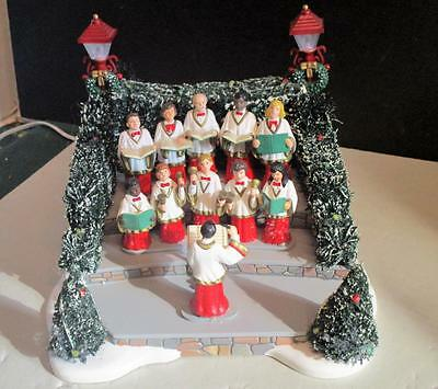 Dept 56 VILLAGE ANIMATED HOLIDAY SINGERS 52505 Musical Movement-MINT