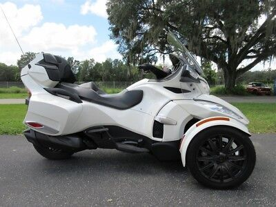 Can-Am Spyder  2014 Can-Am Spyder RT, auto, STEREO, CRUISE, 6 SPD, CLEAN, NICE BIKE