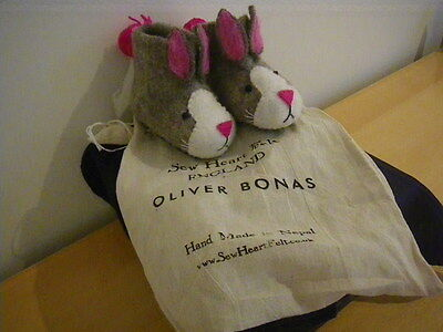 Oliver Bonas SEW HEART FELT Kiddie's SLIPPERS.  Bunny Rabits.  New, with Bag.