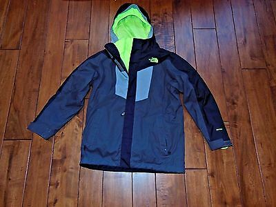 North Face Boys Vortex Triclimate Jacket CN10 Size Medium 10-12 Black Gray