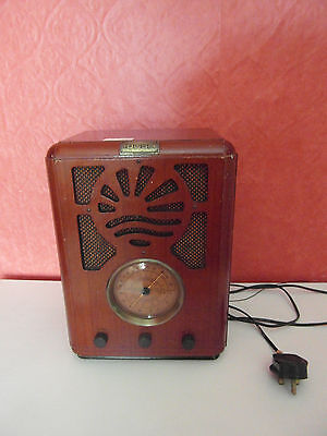 Bush Retro Wooden Box Radio { Working Order }