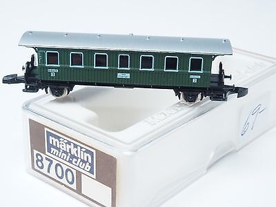 8700 Marklin Z-scale early era Green Passenger 2 axle Car 2nd class