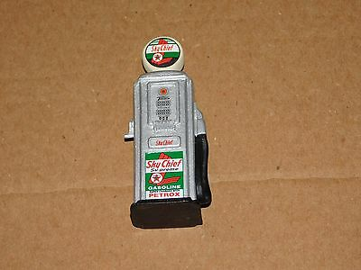 Vintage~Sky Cheif Gas Pump~Train Displays/play Sets-Parts~Matchbox/hot Wheels