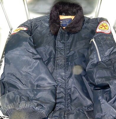 Rare / Vintage Qatb Qld Ambulance Cold Weather Zip & Button Jacket. Version #1