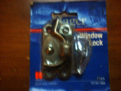 HAGER  WINDOW LOCK ANTIQUE BRASS COLOR 00393 cd 1487