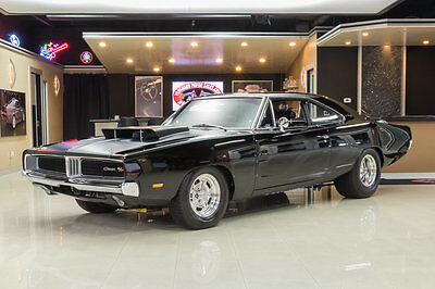 1969 Dodge Charger  Charger Restomod! Dodge 496ci Stroker V8 (700hp) A727 Automatic, Dana 60 Posi
