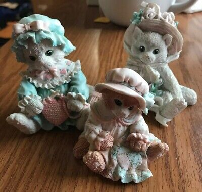 Calico Kittens White Kitten W/Hat Our Friendship Blossomed From Heart Figurine
