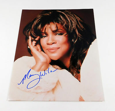 Mary Wilson Signed 11 x 14 Color Photo Pose #4  Auto