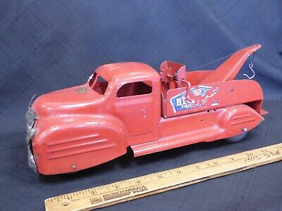 "1950s LINCOLN BF Goodrich Tow  Truck Pressed Steel Toy 13-1/2"" CANADA"