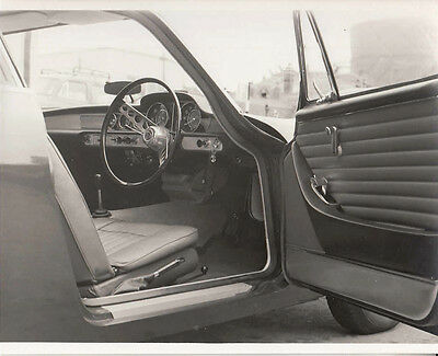 Volvo 1800 Coupe, Drivers Side Interior Photograph.