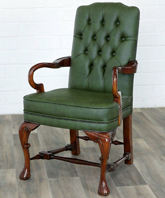 CLASSICAL CHESTERFIELD ARMCHAIR, MAHAGONI LESESESSEL, ARMLEHNSESSEL racing-green