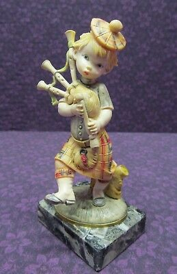 Depose Italy #433 (Simon) W/ Spider Mark -Scottish Boy Playing Bagpipes Figurine