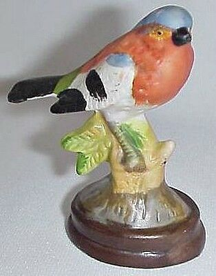 Chaffinch Figurine Bisque Porcelain Figurine Bird 3 Inch Tall Vintage