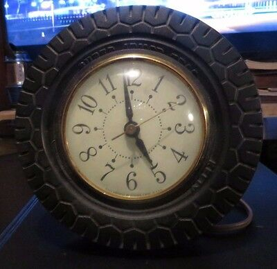 1950s KELLY TIRES PROMOTIONAL TIRE CLOCK COUNTER TOP DISPLAY