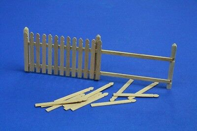 Wooden Paling / Fence - Straight Section #35D01 1/35 Rb