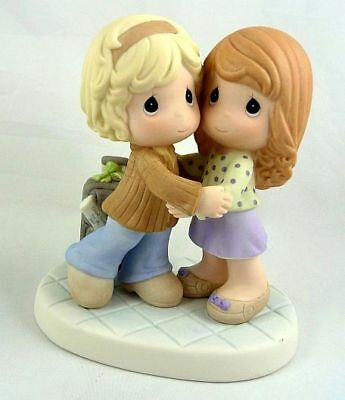 Precious Moments Collectors Club 2009 - I Come To You With Joy - CC990002