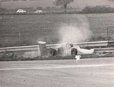 SINGLE SEATER CAR No.22 CRASHED AT TRUXTON RACE CIRCUIT 7/7/74 PHOTOGRAPH.