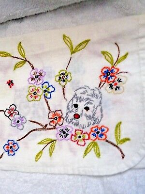 Scotty Scottie Dogs Embroidered Head Floral Design Cloth Runner