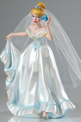 Disney Showcase Couture de Force Cinderella in Wedding Dress Figurine New
